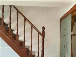 出租怡合家园楼房,4室2厅2卫,租金一年26000元