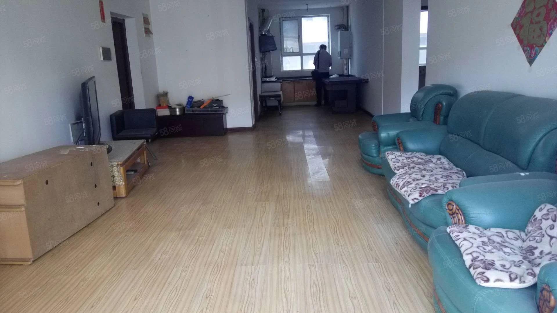 怡泽园简装116平3居室中间楼层带地下室