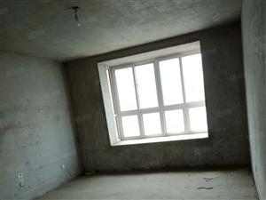 锦绣花城南区步梯5楼带一个地下室和阁楼有本可按揭