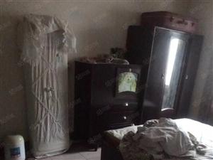 新村近二室一厅简单装修带家电300月