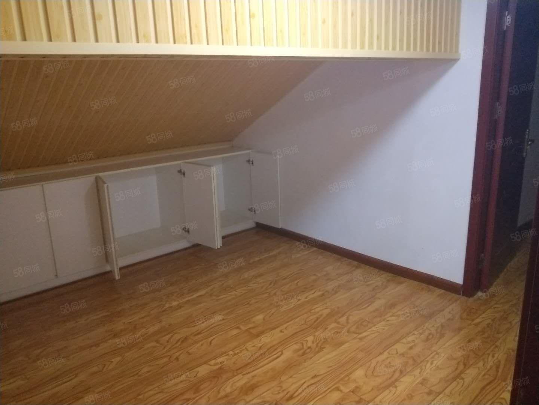 锦绣杏园离电子产业园近复试小阁楼精装一室拎包入住