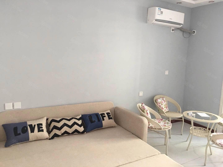 鼓楼广场一室一厅拎包入住年租10000元