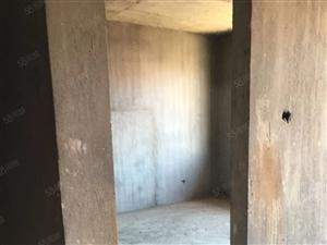 铅山相府小区房毛坯2.3楼复式楼前后带500平方露台