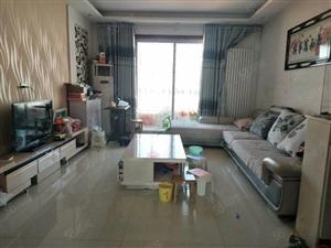 三实小附近精装大三室,送全套家电家具,可按揭,首付只需15万