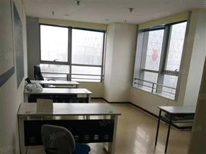 苏宁大厦写字楼53平2400元带办公桌椅随时看房