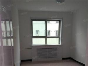 五院对面中间楼层98平三室一厅南北通透精装修三个阳面