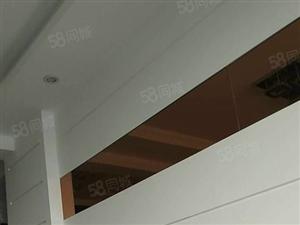 东城中央豪庭9楼,3室2厅2卫,带家具空调,免物业费1.6万