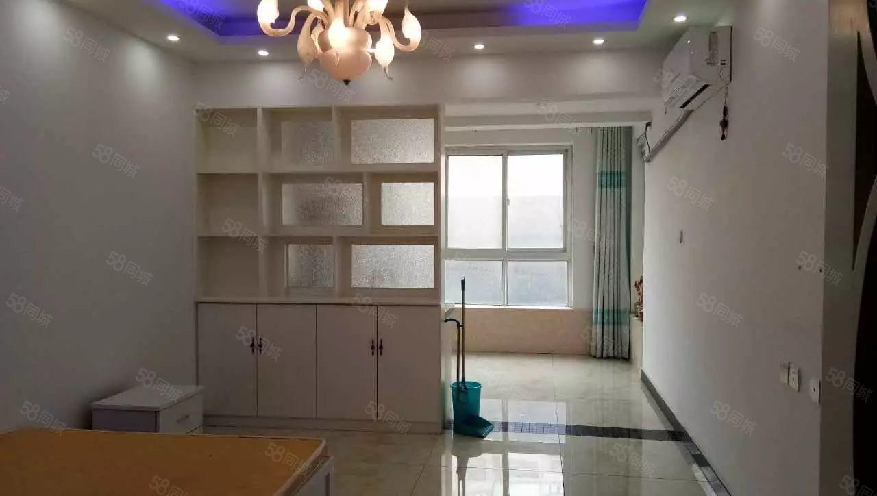隆府新城精装公寓月租900有富士康班车随时可以入住