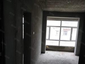 多层4楼不山不缝不顶.南北通透.便宜出卖.售楼处直接更名