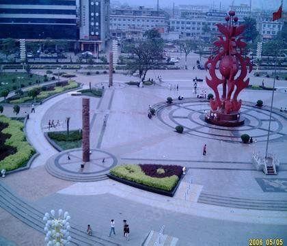 惠丰苑小区,三居室,临近中心广场