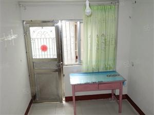 汽车站旁站前小区经典小户型平房1室厨1卫装修家具