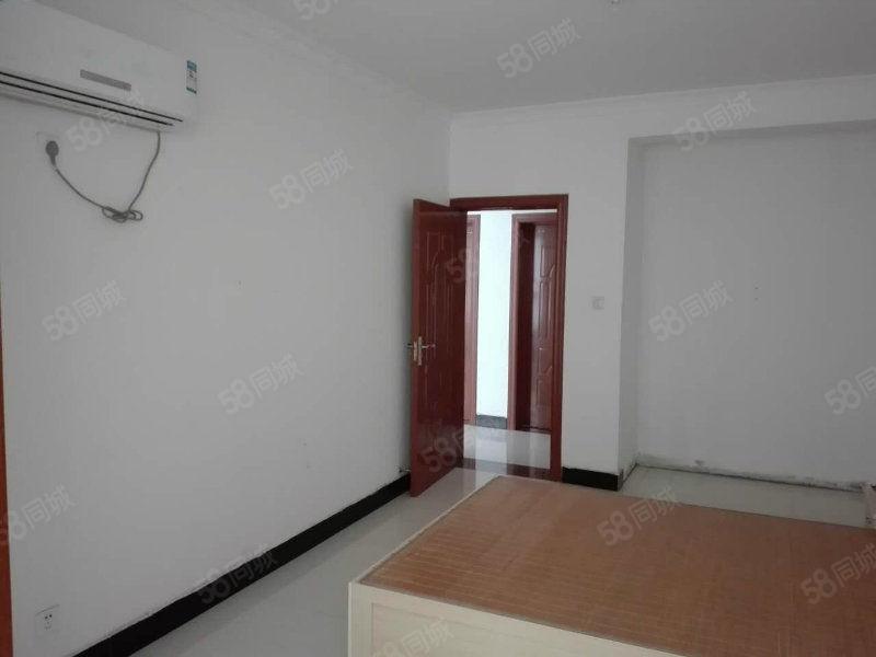 国贸小区5楼1室1厅61平方米新房毛坯房购房手续齐全