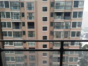 长龙中央公园朝南三房满五唯一中间楼层电梯房