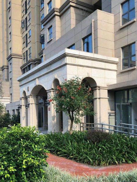 名校旁高端社区亿利城小三房单价极便宜的一套中层