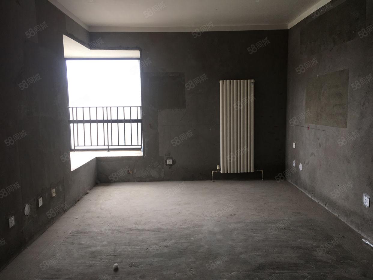 地铁口,正弘一期现房有房本契税满,有钥匙可看