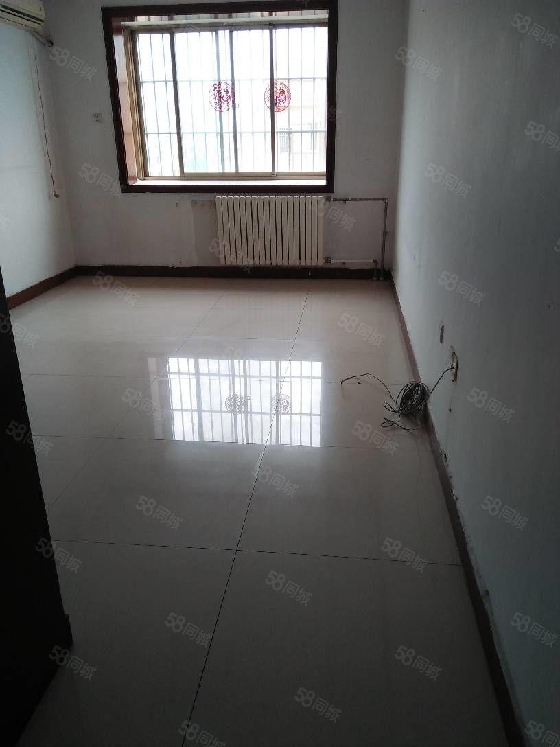 十三中房19楼3室2厅145平,双卫,热,冰,铺地。