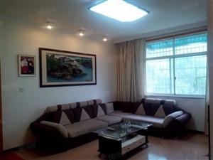 东湖小区有房急售36万120平2楼3室二厅精装带家电