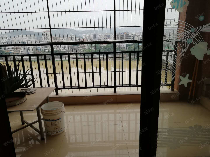 莉莱江城电梯江景三房,家私电齐全,可拎包入住
