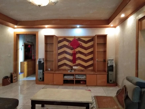 桂湖街6楼三室两厅精装修家具家电齐全价格还有