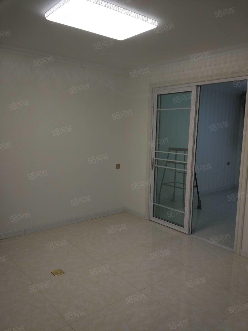 幕山小区两室出租精装修家具齐全拎包入住有冰箱电视停车方便