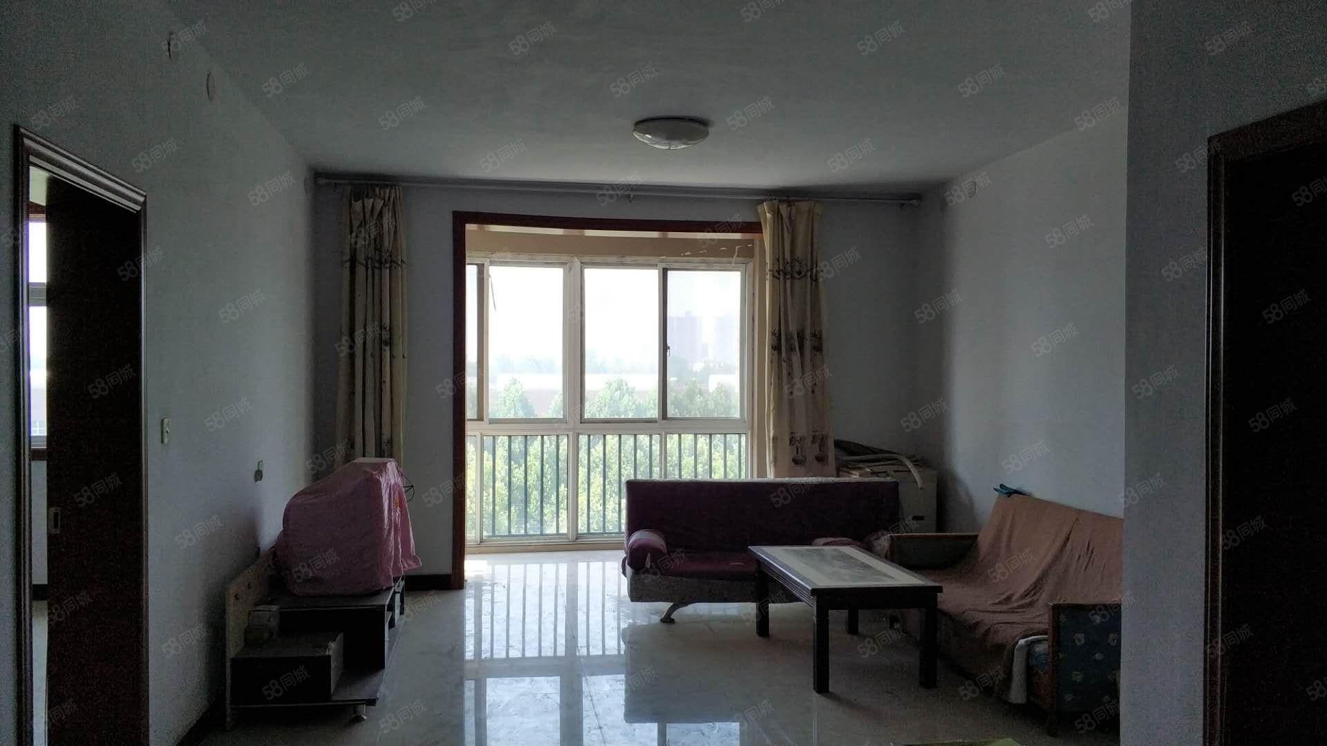 亿星紫荆城,3室2厅1卫有证可按揭,步梯6楼送阁楼,精装