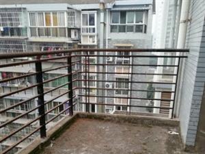 二小旁唯一一套清水房,可加阁楼,商品房,房龄新,送三个阳台