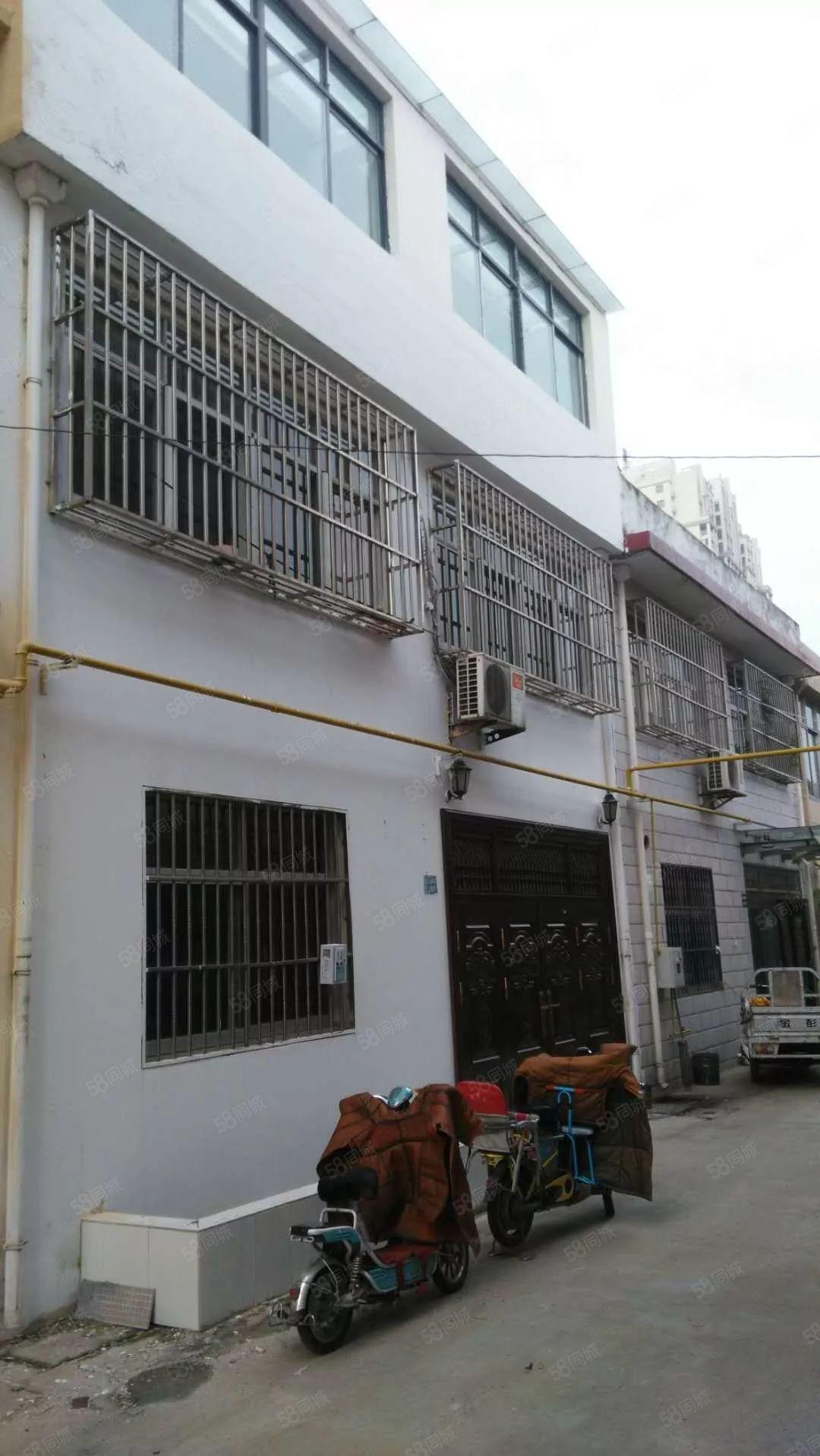 河畔花城南600米民房有證322平方共3層已裝修