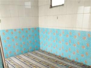经济学校宿舍1室1厅30平简单家具太阳能暖气