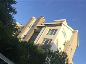 海信盈城,133平,阁楼,三室两厅两卫,有地下室,39万