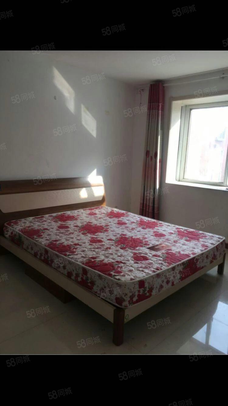 出租九星花园4楼120平方3室1厅简装房