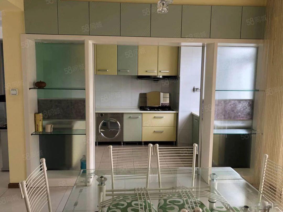 玉溪一小区精装4室澳门金沙平台,租2室的钱就能租到4室带家具拎包入住