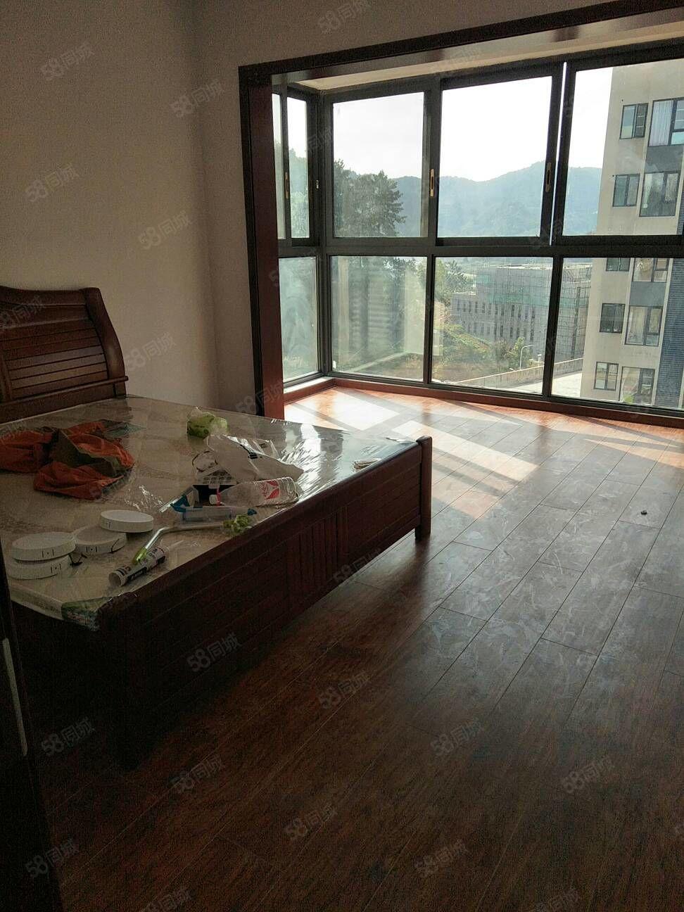 麒龙国际洋房复式楼出租可以办公可以自住