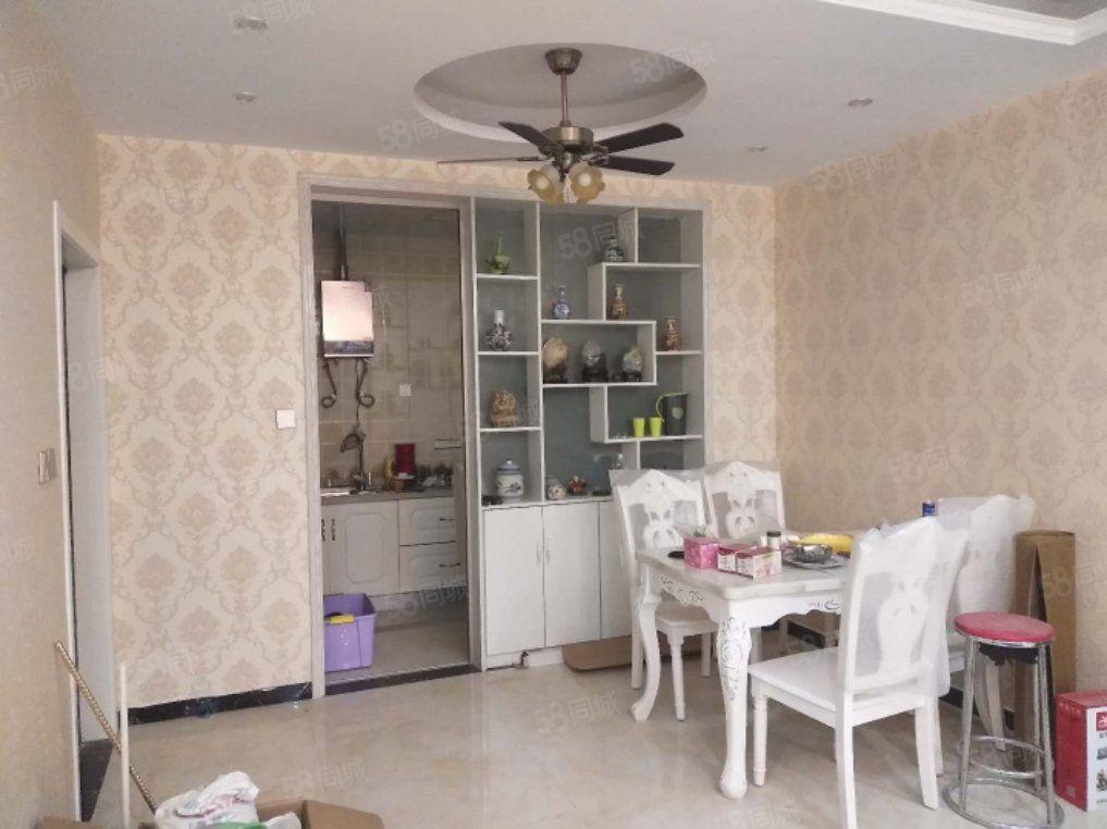 择邻名苑,170平,复式,大平台,豪华装修,全新未入住,急租