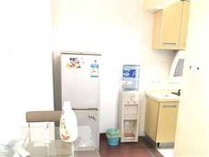 急租!龙腾路精装标准一房一厅独立厨房阳台拎包入住