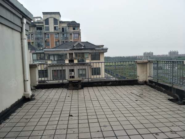 远大瑞园五室两厅可按揭送45平大阳台