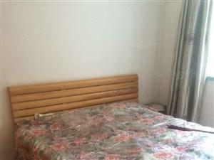 六道湾医院旁苇湖春光小区两室80平方1200元