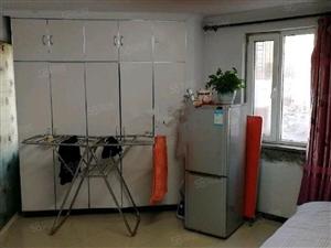 宝地城C区精装一室小公寓包取暖物业电梯
