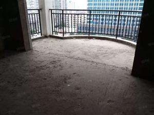 世纪滨江,位置优越,大四室,户型方正,南北通透,采光好。