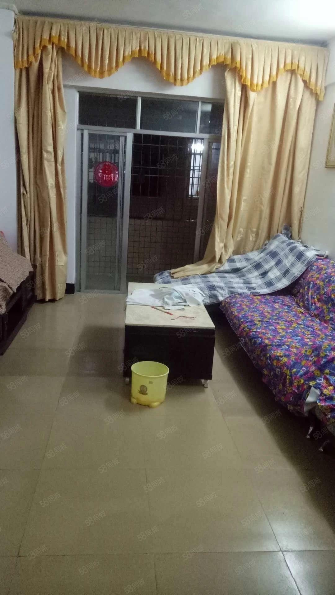 昌和路小3房,76平方,配杂物间,步梯2楼,开价35.8万