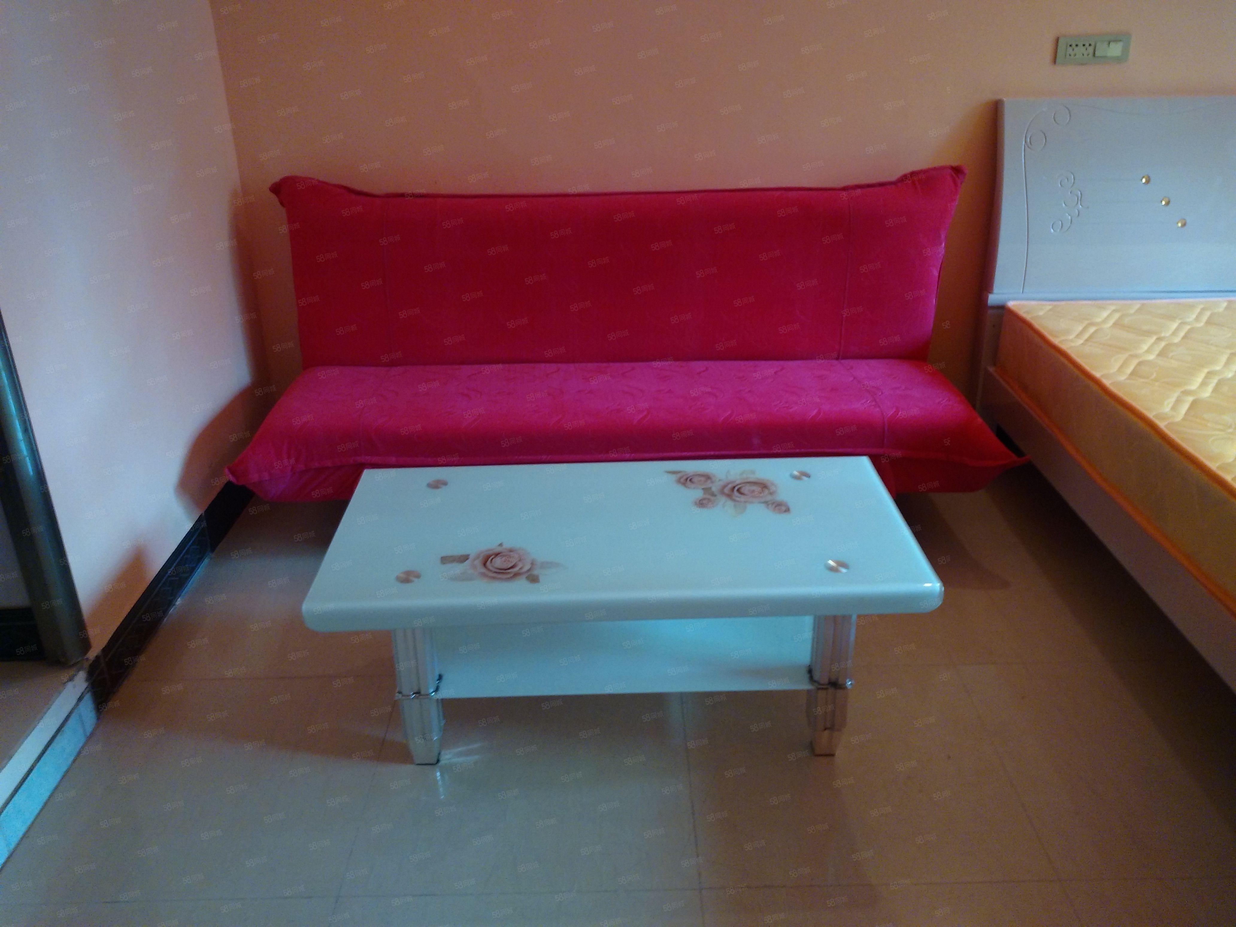锦江广场温馨公寓适合单身情侣居家,押一付一长短租都方便!