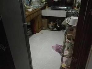 五十一中建二小四室2楼房出入方便地铁口售价195