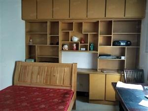 出租供销小区2楼2室2厅中装全配有车库900每月