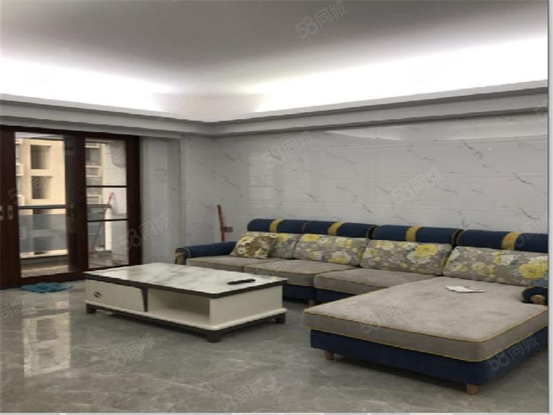 创鸿国际豪华精装修二房二配套齐全新装修中楼层2500/月