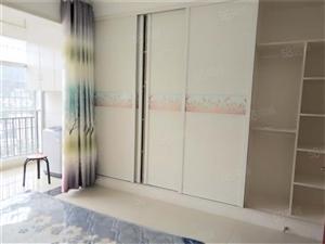 文艺路出租一套精装2房随时可以看房子欢迎来店