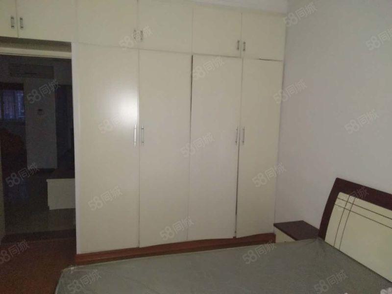 紫荆山路沿线紫荆小区出租单间精装修家电齐全免费看房无中介费。