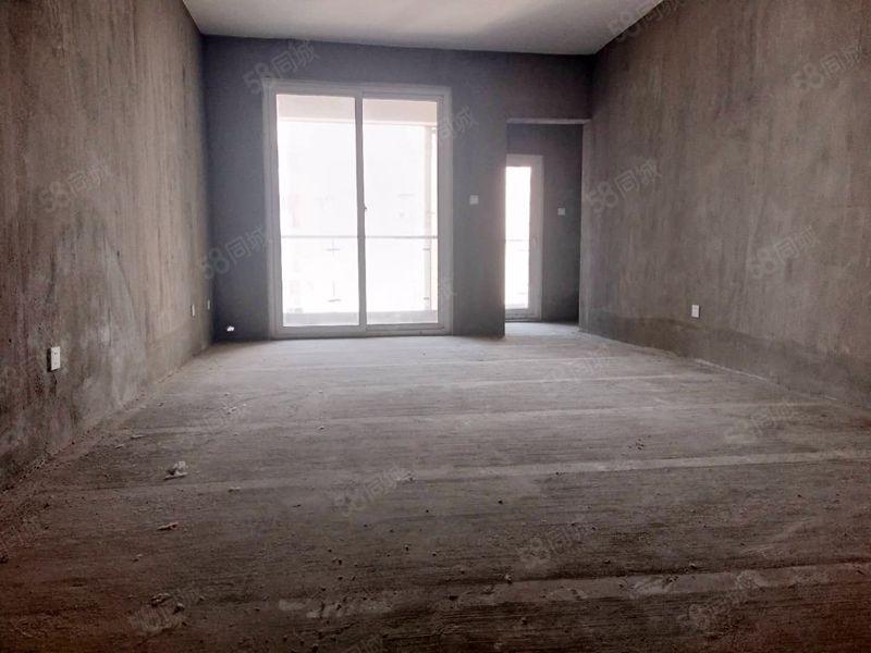 五彩城清水套二出租600每月可做库房