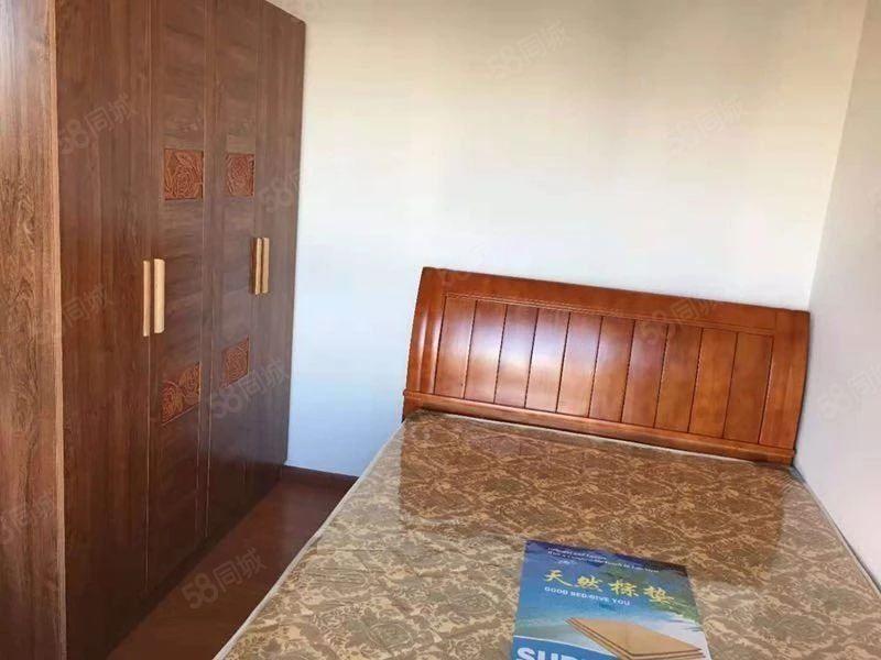 师院旁盛世庭院2室清爽装修1400一个月