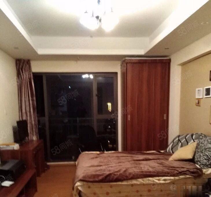 东风南路都市经典带家具家电精装修一室一厅一卫拎包入住