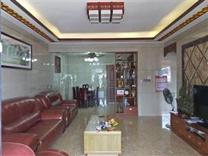 桂圆路数码城,电梯靓楼层,143方,精装,4房126.8万。