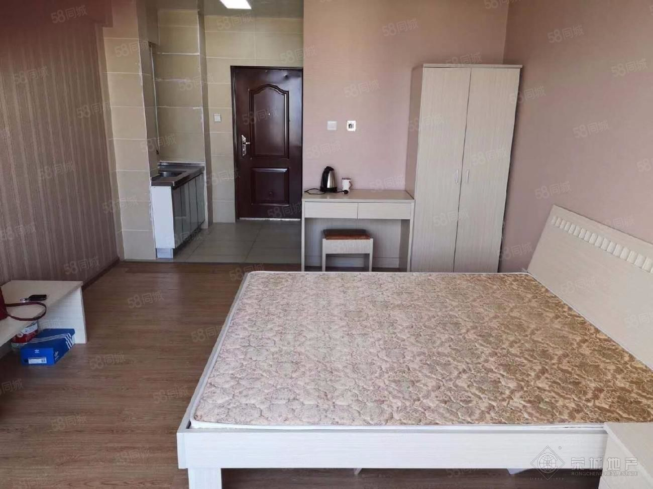 玉溪一中附近时代新都汇精装1房采光好带家具可拎包入住!